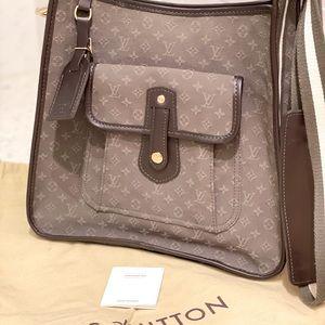 Louis Vuitton Monogram Mini messenger bag